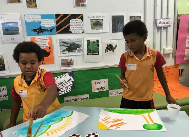 Bi-lingual books by and for kids from the Torres Strait