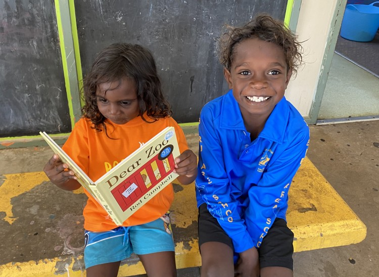 Jabiru's Mobile FaFT providing Books Far and Wide